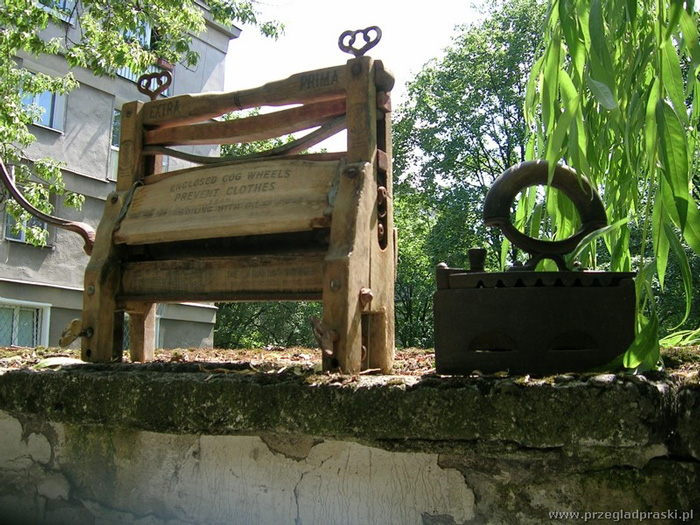 Praskie-tary-wyżymaczki-młynki-i-żelazka
