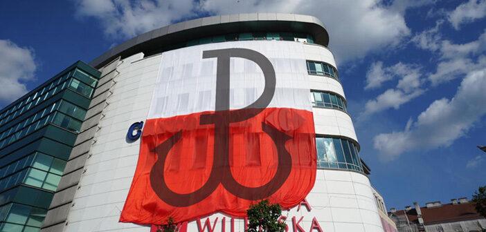 Społeczna zbiórka mieszkańców na renowacje wielkiej flagi na Wileńskim